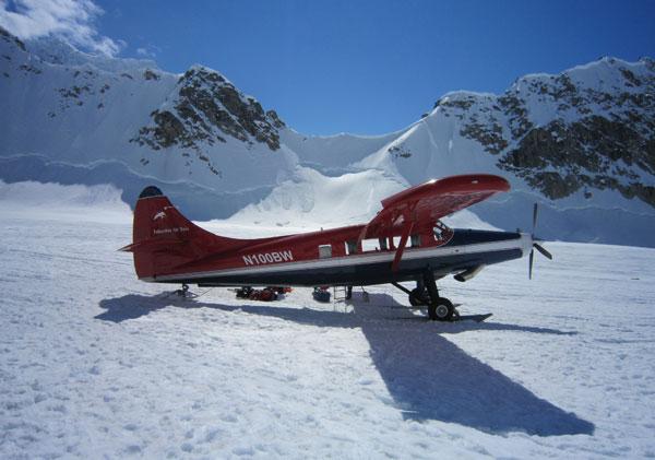 ski plane on kahiltna