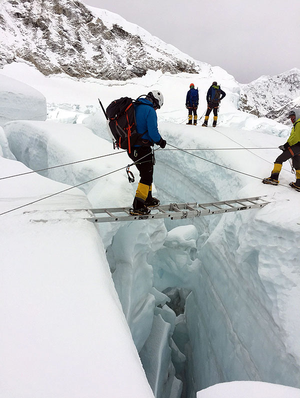 everst expedition icefall