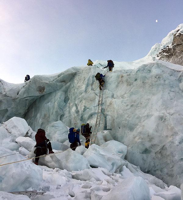 2017 everest khumbu icefall