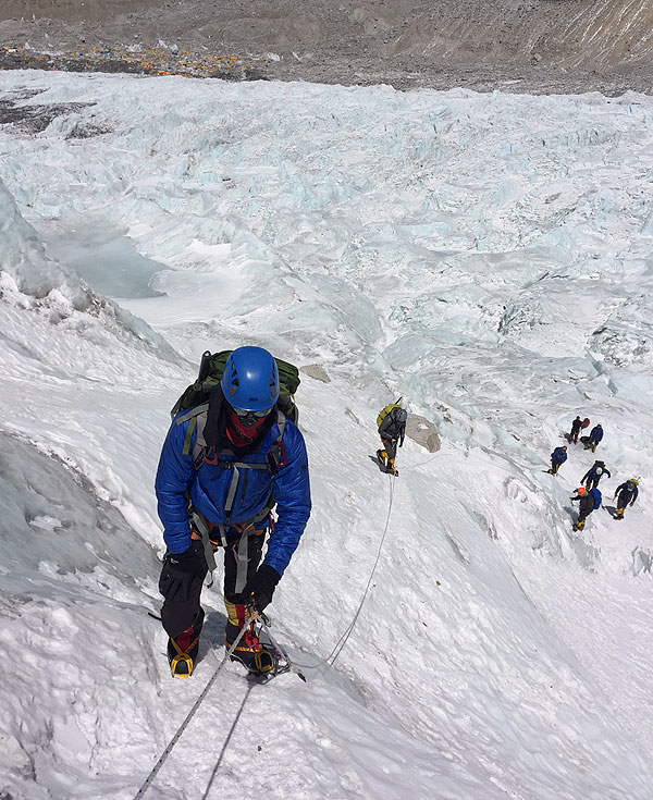 2017 everest team khumbu icefall