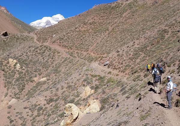 relinchos hike aconcagua